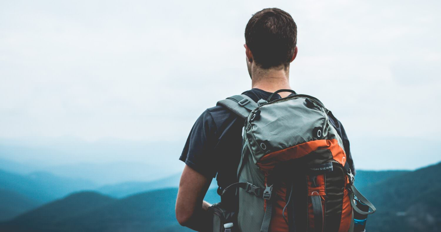 How to pack your backpack the right way